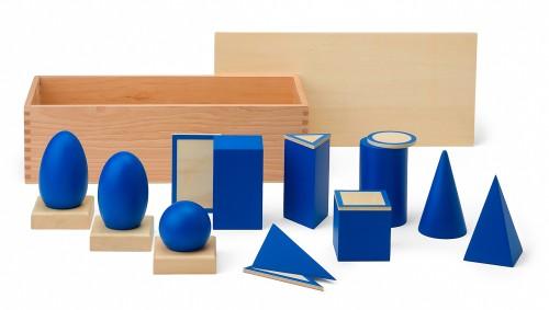 geometrische k rper und grundfl chen montessori material sinnesmaterial. Black Bedroom Furniture Sets. Home Design Ideas