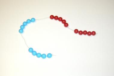 Rechenkette mit 100 Perlen